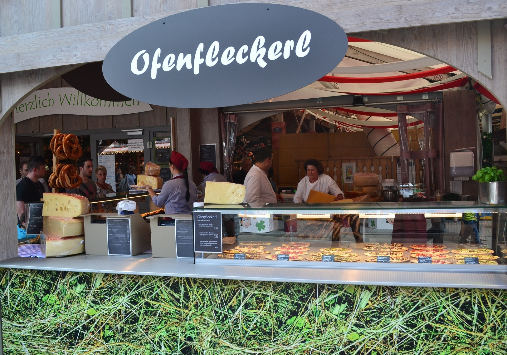 Showküche Hahn Zelt Regensburger Dult